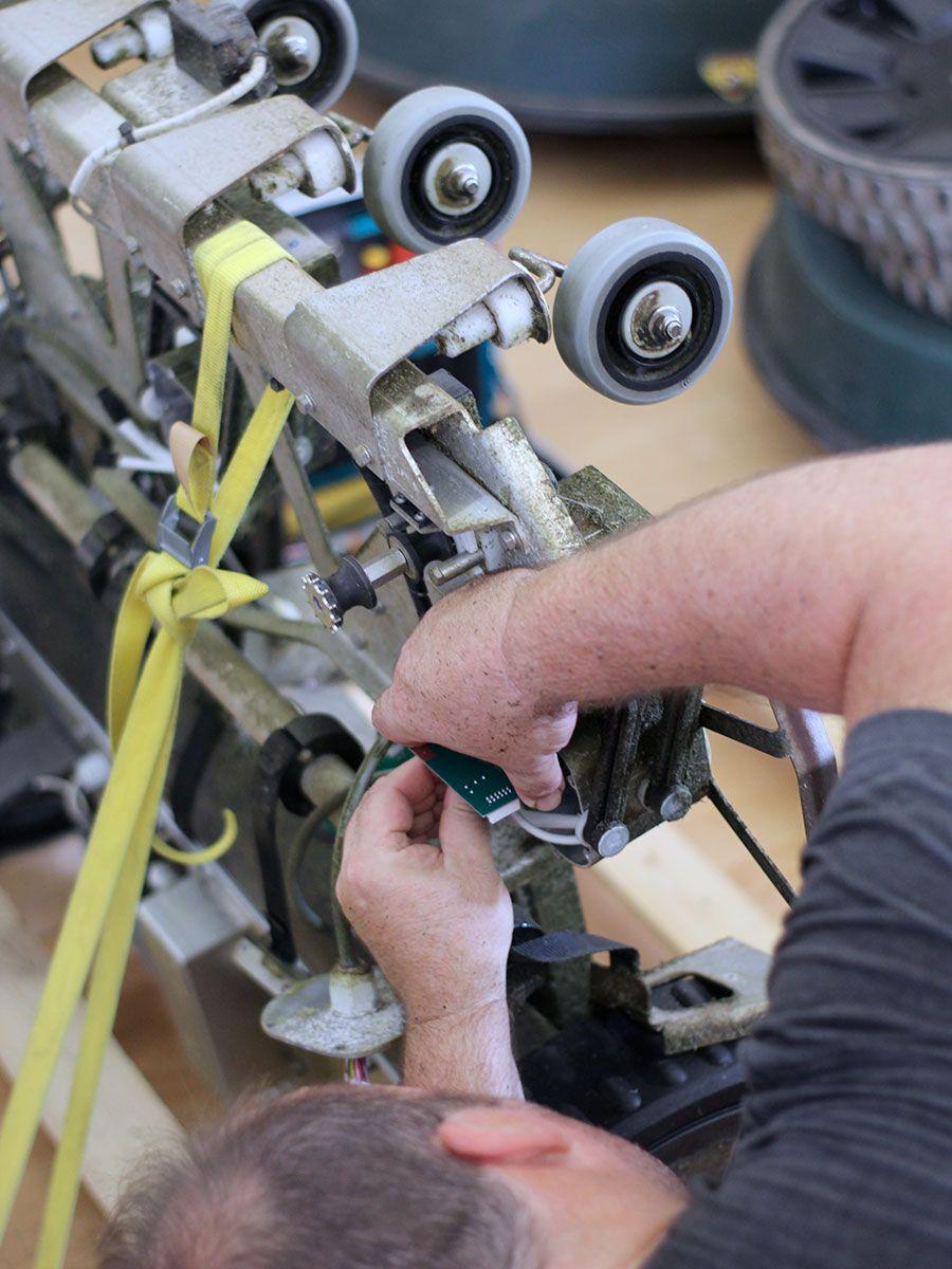 riparazione robot giardino grandi superfici